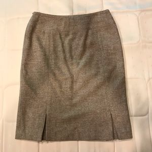 Banana Republic A Light wool skirt